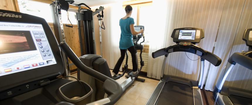 Switzerland_Wengen_Hotel-Beausite-Park-Jungfrau-Spa_fitness-room.jpg
